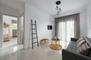 ideal for kitesurfer as we are located 500m from air-riders kite station in kremasti