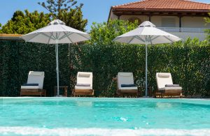lnc pool comfortable sunbeds