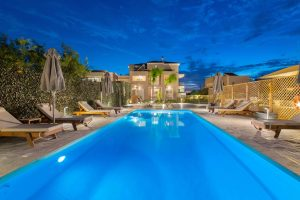 rodos night view pool